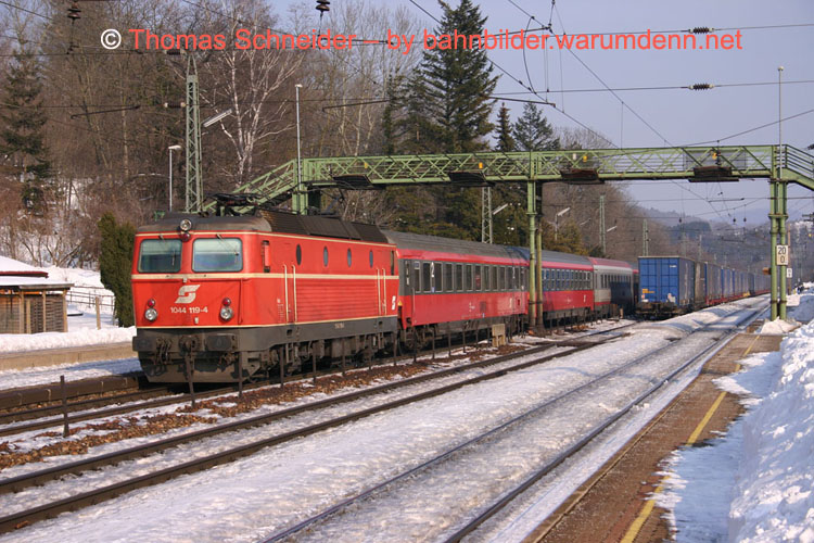 Foto zeigt 1044 119 in Tullnerbach