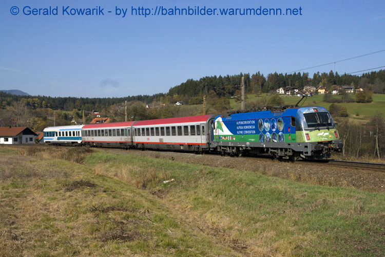 "Foto zeigt SZ 541 001 ""Alpenkonvention"" mit InterCity (Finkenstein)"