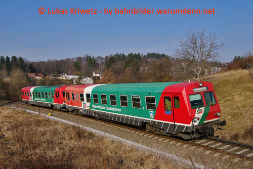 Foto zeigt: StLB 5047 in Doppeltraktion