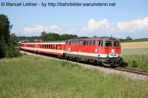 Foto zeigt: Reihe 2043 in Oberösterreich unterwegs...