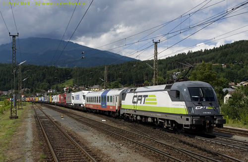 Foto zeigt: 1116.142 aus: City Airport Train-Taurus Rochade