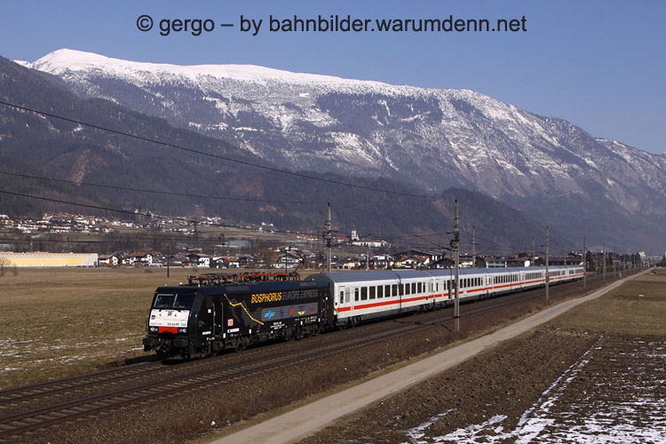 "Foto zeigt FNM 189 932 ""Bosphorus Europe Express"" mit EC im Inntal"